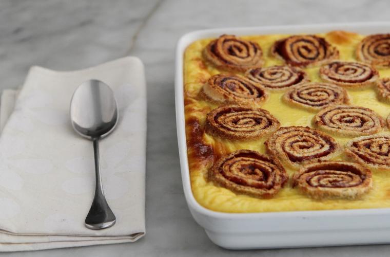 Swiss roll bread & butter pudding